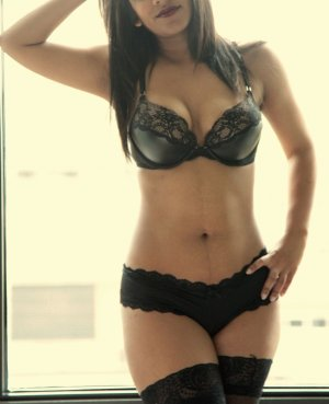 Chanice escort girl in Darien