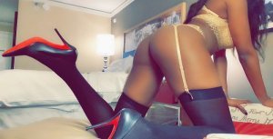 Anna-paula escort girl in Darien